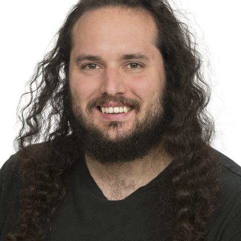 Dr Tomas Gonzalo